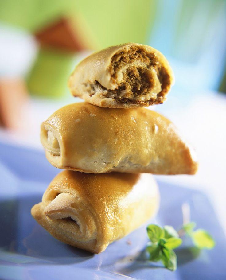 Gebackene Teigröllchen mit Hackfleisch gefüllt   Zeit: 2 Std.   http://eatsmarter.de/rezepte/gebackene-teigroellchen-mit-hackfleisch-gefuellt