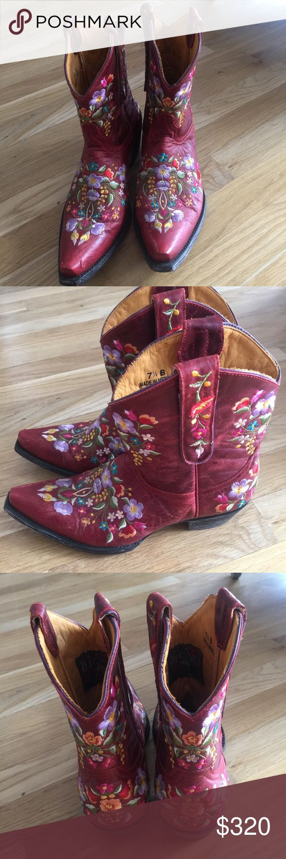 Old gringo embroidered leather boots These bots are So cool Vintage embroidered boots  Old Gringo  Great condition   I really hope some one buys them and loves and enjoys them     They're not my size🙁 Old Gringo Shoes
