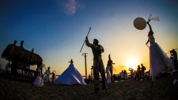 Singita a Fregene: il rito del tramonto sulla spiaggia