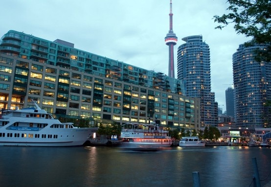 Silvana Barbato. Real Estate Agent  specializing in #queensquaycondos.   Www.silvanabarbato.com