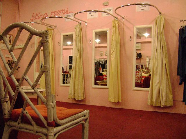 32 best fitting rooms images on pinterest closet rooms for Dressing room ideas