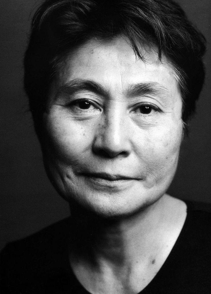 Yoko Ono: conocida artista japonesa por ser la segunda esposa de John Lennon.