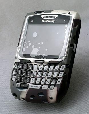 Blackberry bekas dan berkualitas: Blackberry 8700 Army Look