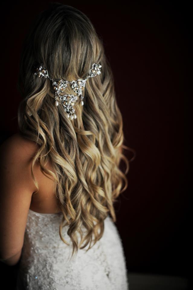 A beautiful custom-made hair piece for a beautiful bride Ellese Evans.