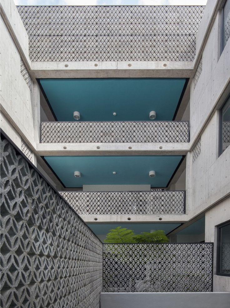 Galeria de Edifício Portais / Fernanda Canales - 5