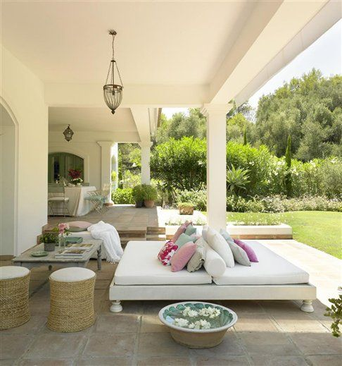 White and Green in Spain | Inspiring Interiors