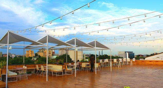 DESCHIS Gastrobar – o terasa panoramica de unde vara se simte mult mai bine | Povestea Casei