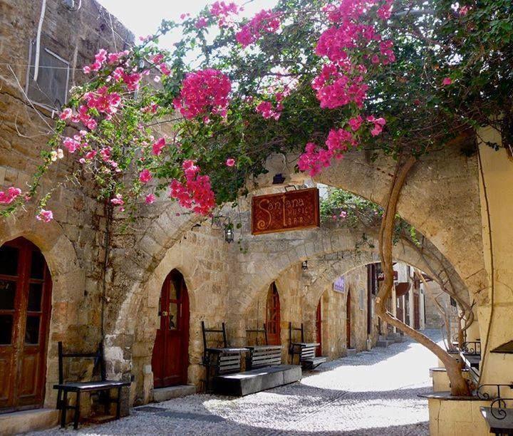 Best 20+ Medieval town ideas on Pinterest