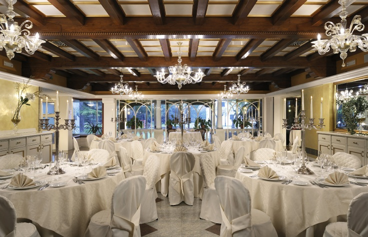 The Dogi Restaurant room of Relais Villa Fiorita in Monastier di Treviso - www.villafiorita.it