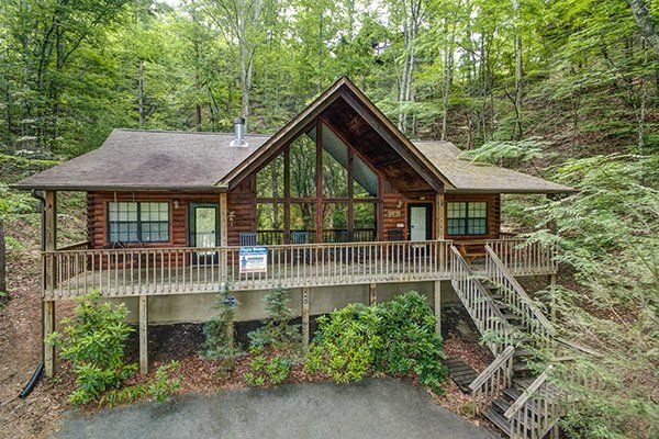 Playin Hookie Deluxe 2 Bedroom Pigeon Forge Cabin Rental Cabin Cabin Rentals Secluded Cabin