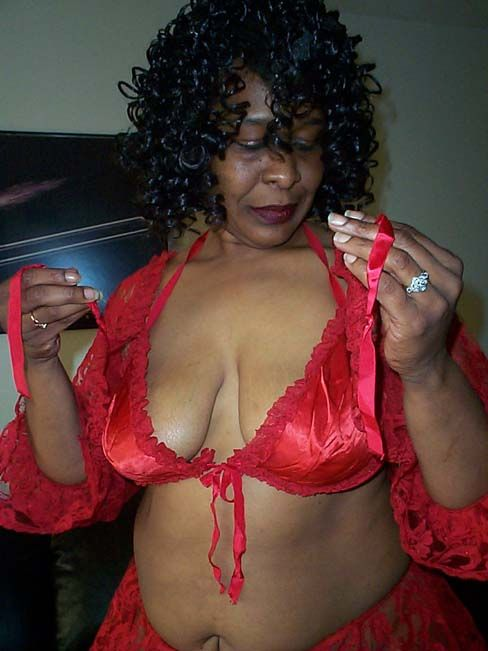 east canaan single mature ladies Find a mature in london on gumtree,  soft touching massage by mature women  i work from a private house very close to east finchley tube station.