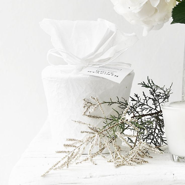 The White Company White hyacinth candle