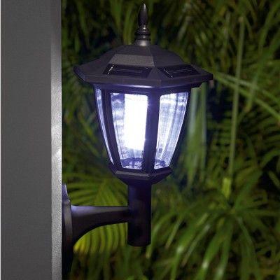 Les 25 meilleures id es de la cat gorie lanternes solaires for Luminaire terrasse solaire