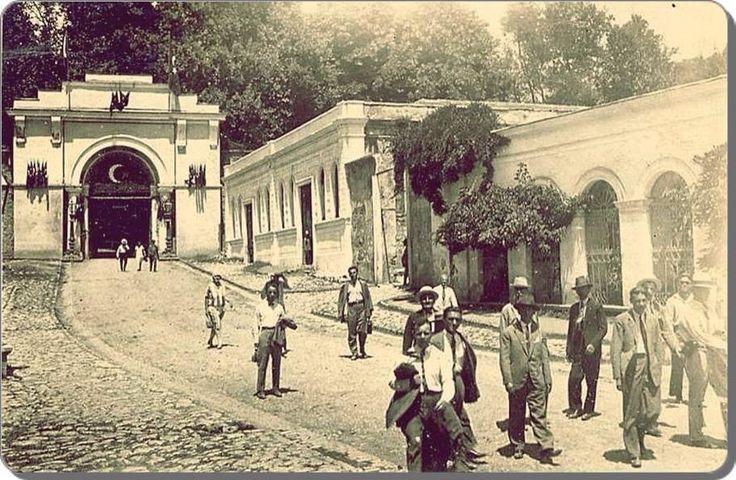 1930lar bize bakıyor! F: Beşiktaş Yıldız Parkı girişi #istanbul #beşiktaş #istanlook