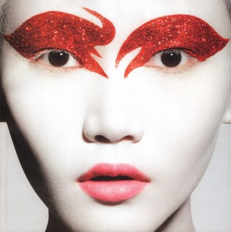 Google Image Result for http://www.eyeshadowlipstick.com/wp-content/uploads/2011/09/glitter-red-makeup.jpg