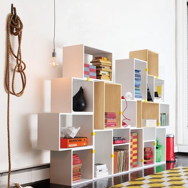 Modular stacked shelves / Muuto