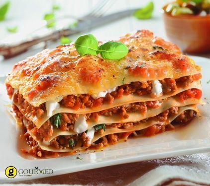 Λαζάνια φούρνου με κιμά και ανθότυρο - gourmed.gr