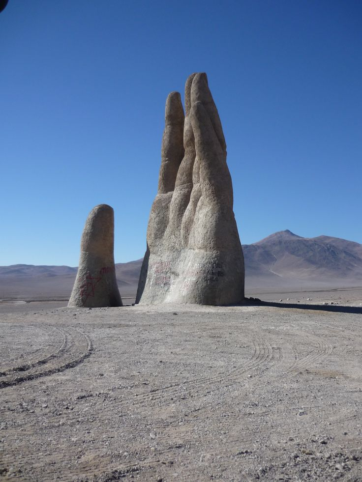 Mano del Desierto, Atacama, Chile. creepy but so cool