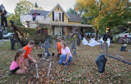 halloween yard decorations 2017