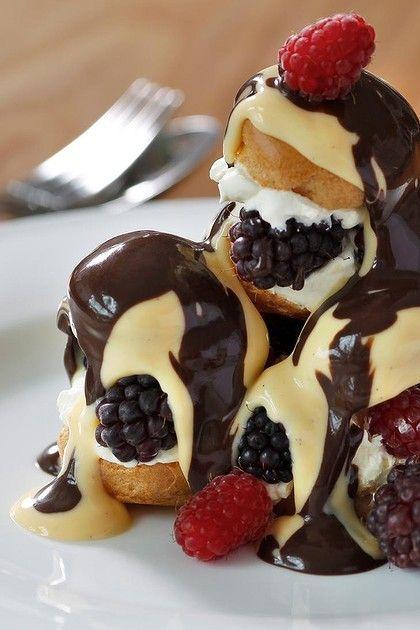 Summer berry profiterolesDesserts, Chocolates Sauces, Berries Profiteroles, Sweets Treats, Food, Summer Berries, Baking, Profiteroles Yumm, Fresh Raspberries