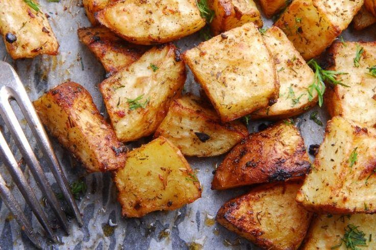 Ajoutez-y un peu d'ail et de parmesan et vous voilà avec un accompagnement de pomme de terre parfait