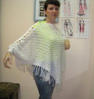 Tina's handicraft : poncho with sleeves