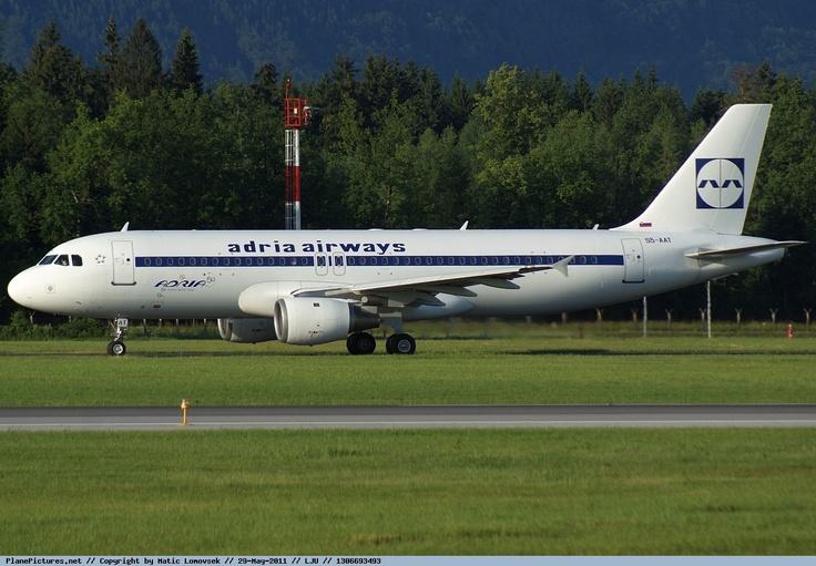 Adria Airways - Airbus A320 - S5-AAT - Ljubljana Airport