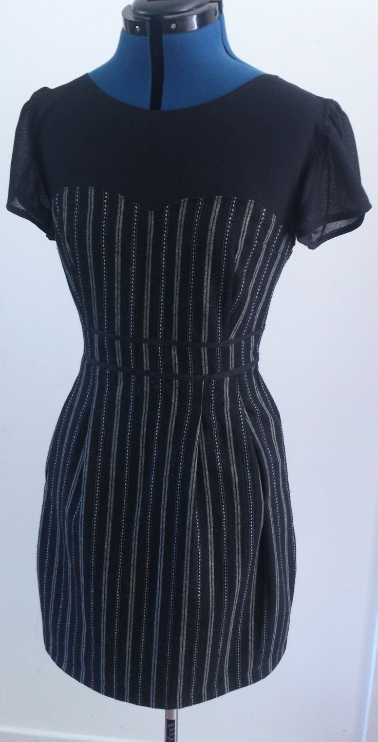 Black ikat dress, Colette's ' Macaron' pattern. Material: wool, polyester.