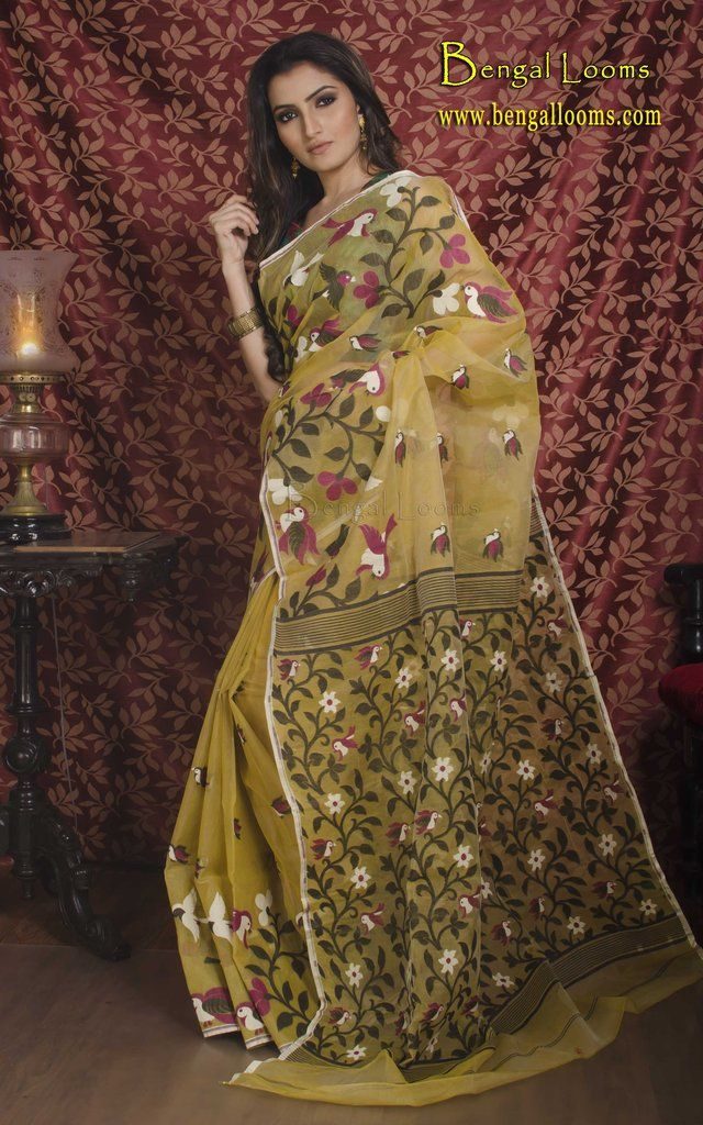 dcb0d6bb7c0e6 Beautiful Pure Handloom Muslin Jamdani Saree with Bird Motif in Beige and  Black.