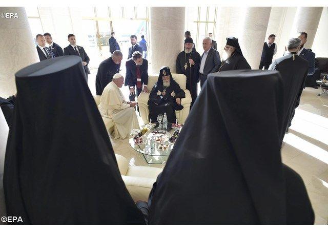 Pequeños grandes gestos del encuentro del Papa con el Patriarca - Radio Vaticano