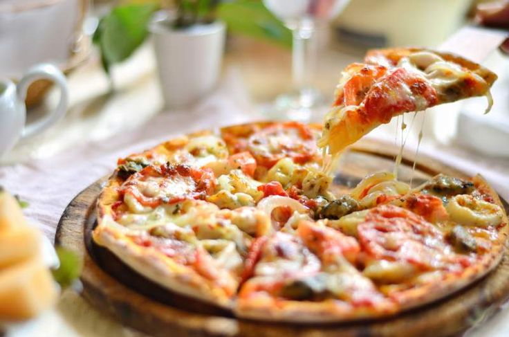 Wanna grab some tasty pizzas in out..  You should definitely visit these places!!!
