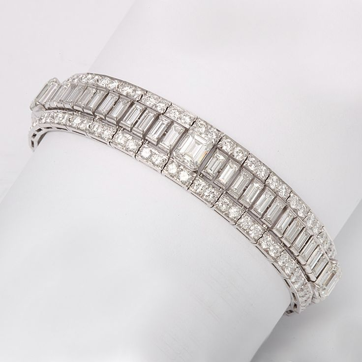 gold asp bracelet baguette diamond cut p white
