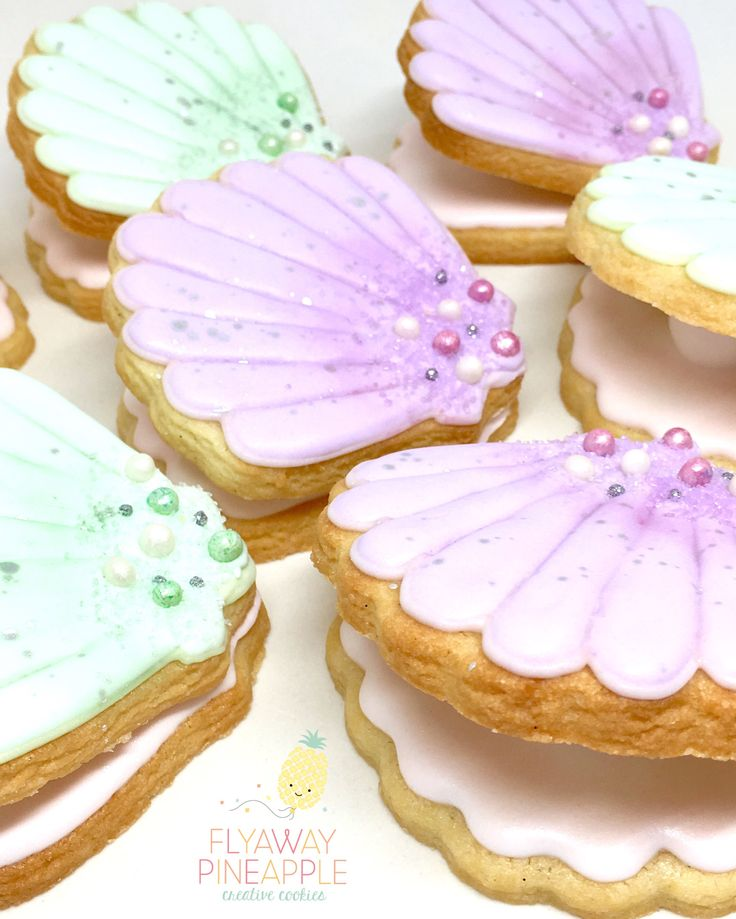 Under the sea cookies, mermaid party, clam shell cookies, oyster pearl cookies, shell decorated cookies