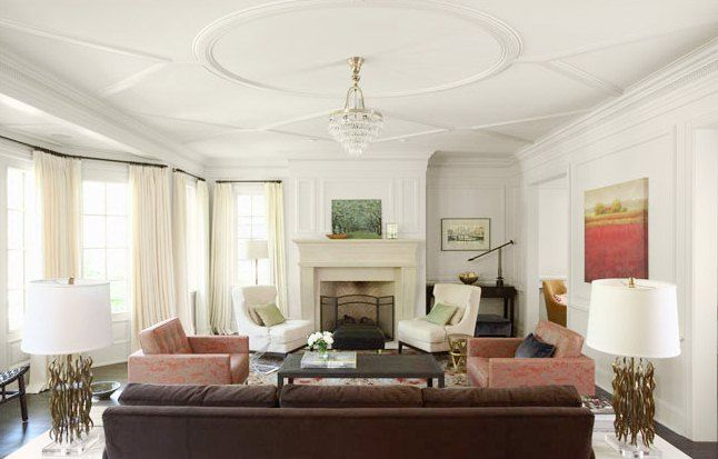love the ceiling molding