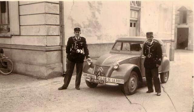 Fast French police car!