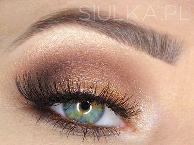 Siulka: Makeup Revolution - Iconic Dreams - paleta cieni do powiek i moja duma - makijaż na każdą okazję
