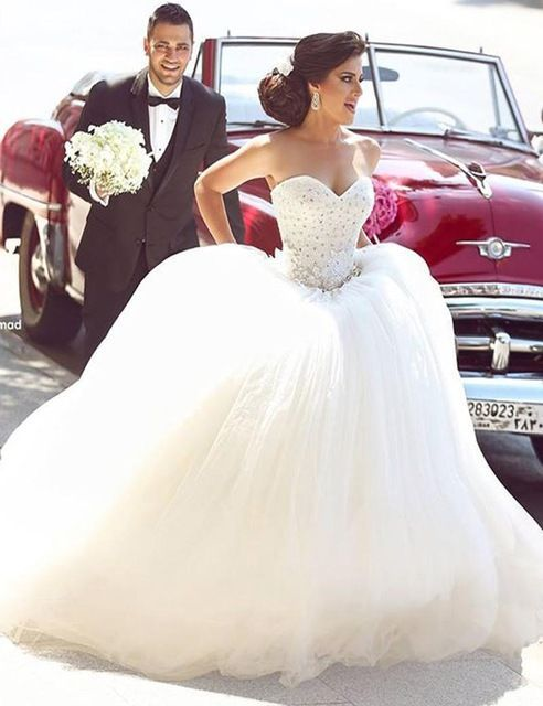 Princess Bridal Dress Sweetheart Appliques Sparkly Beading Giltter Wedding  Dress Puffy Tulle Wedding Gown L6112016 678878b30d61