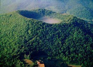 Forestalia: Crónicas de la Garrotxa: el bosque, el cultivo y la ladera del volcán