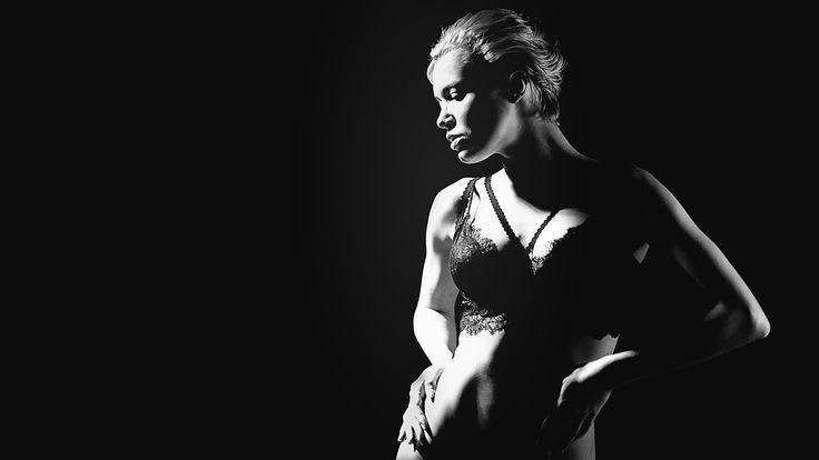 Sensual bw by Viktoria Ilyash on 500px