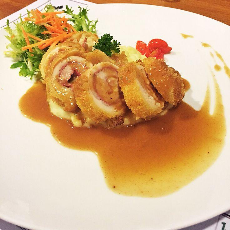 Chicken gordon blue from Peterseli Kitchen
