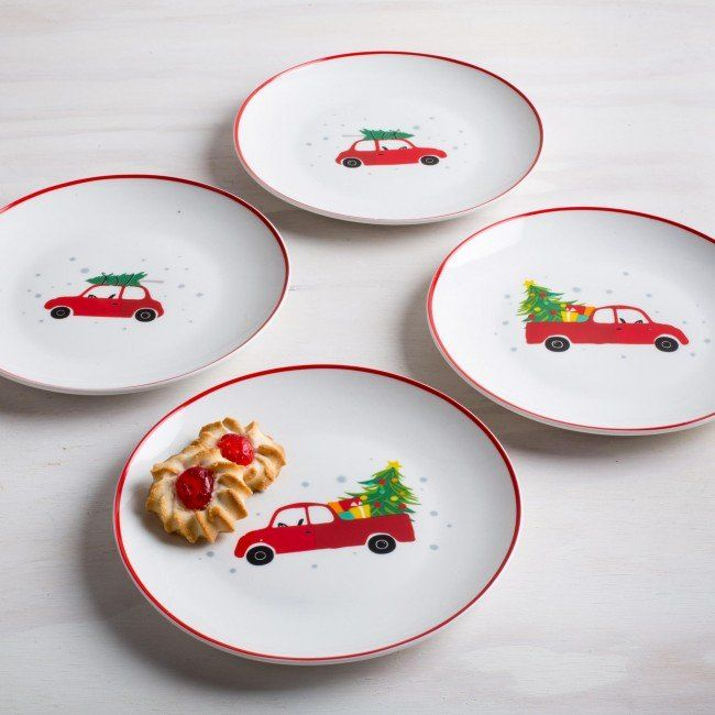 How do you bring your tree home for the holidays? These holiday side plates are perfect for setting your favourite baked treats or serving delicious dessert when guests are over.