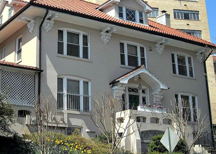 Find top quality #stucco #contractors in #Bronx at cheap rates. http://www.roofingcontractorbronx.com/stucco/  #StuccoContractors
