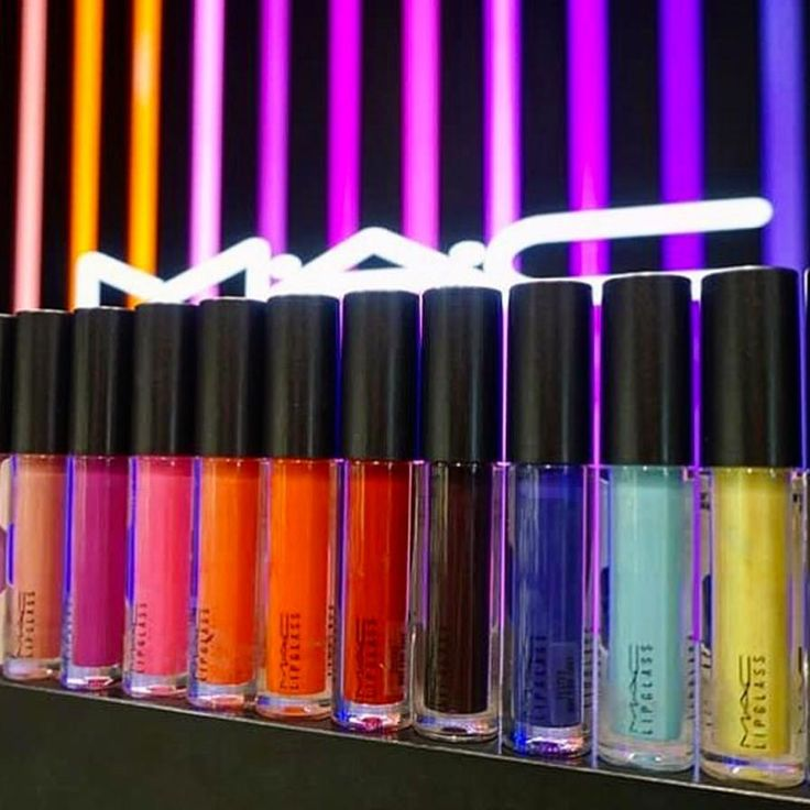 いいね!104千件、コメント256件 ― M·A·C Cosmeticsさん(@maccosmetics)のInstagramアカウント: 「Rainbow brights! What's your favourite shade of #MACLipglass? #Regram from #MACTravelRetail Artist…」