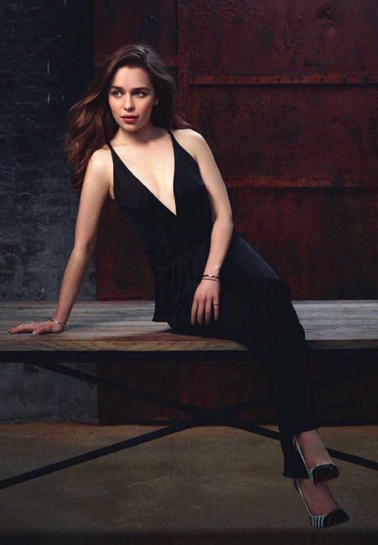 Emilia Clarke IO Donna Magazine