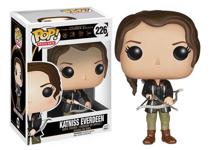 Cabezón Katniss Everdeen 9 cm. Los juegos del hambre. Línea POP! Movies. Funko Si tú eres un fan de la trilogía de Los juegos del hambre no te pierdas este estupendo cabezón del personaje de Katniss Everdeen de 9 cm. Y recuerda que junto con los demás personajes del film podrás hacer una magnífica colección. Artículo 100% oficial y licenciado.