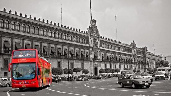 Barcelona destinará divisas de turismo para reforzar el transporte público