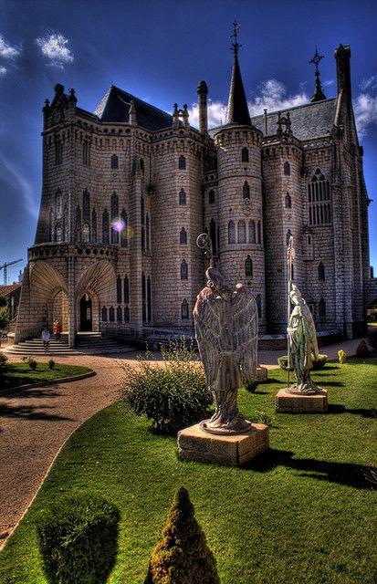 Jardines del Palacio Episcopal de Astorga. Astorga Episcopal Palace gardens.