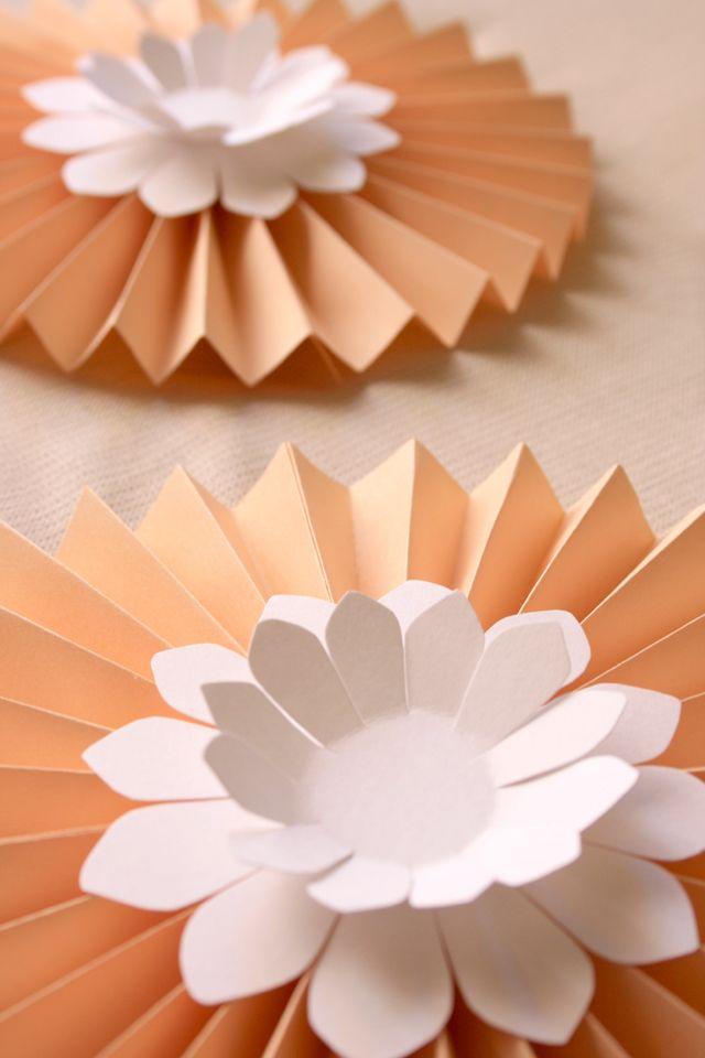 Las 25 mejores ideas sobre rosetas de papel en pinterest for Papel de decoracion