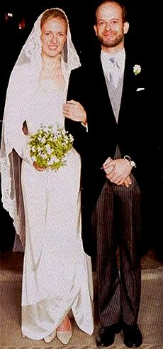 2006:  Paola de Frankopan's wedding to Lord Nicholas Windsor (youngest child of the Duke and Duchess of Kent).  She became Lady Nicholas Windsor. The bride wore a Valentino wedding gown. This was the first time a member of the British Royal Family married at the Vatican.