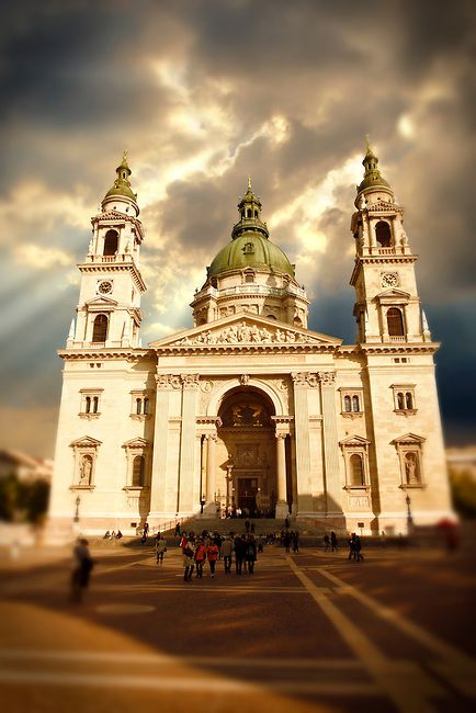 Budapest Basilica Photos & Pictures